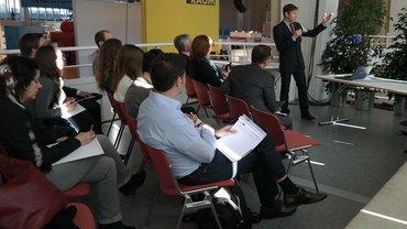 Tagung Diskussion Präsentation Podium Konferenz